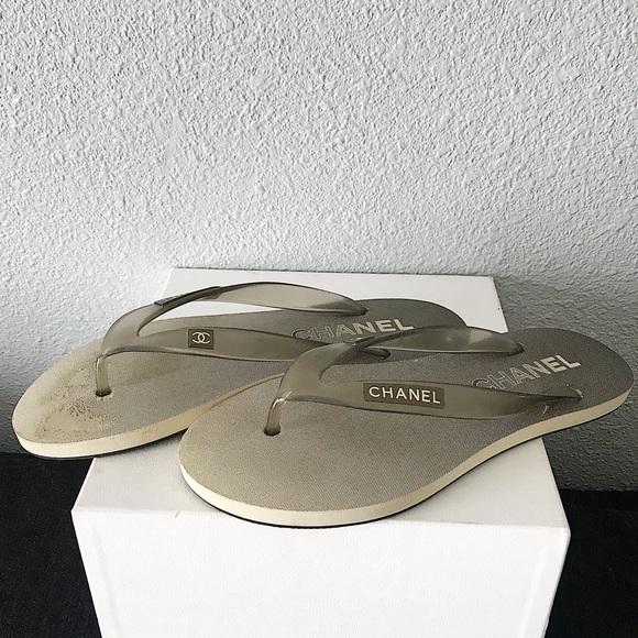 4b36163af48347 CHANEL Shoes - Chanel Smoke Gray CC Logo Flip Flops